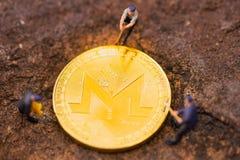 Associação de mineração de Monero em seus dispositivos com nosso software de mineração dedicado imagem de stock
