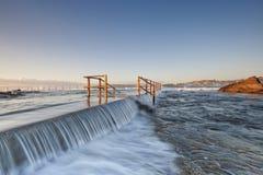 Associação norte da rocha da onda da onda, seascape de Austrália Foto de Stock Royalty Free