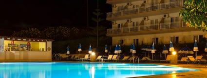 Associação vazia na noite no hotel, Bali Fotografia de Stock