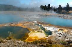 Associações do vapor no parque nacional de Yellowstone, Wyoming, EUA fotos de stock royalty free