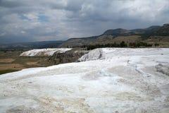 Associações e terraços do travertino em Pamukkale Imagens de Stock