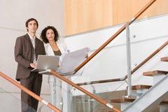 Associados de negócio que planeiam a estratégia nova fotografia de stock royalty free
