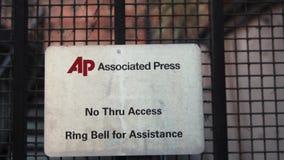 Associated Press drzwiowy wejście z AP logem dzwonić dzwon wiadomością i zbiory wideo