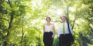 Associazione verde Team Concept delle coppie di affari Immagine Stock Libera da Diritti
