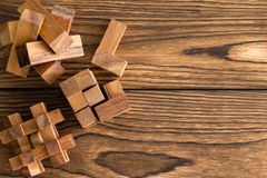 Assorted a enclenché des puzzles en bois images libres de droits