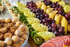 Assorti de la ensalada de fruta Imagen de archivo libre de regalías