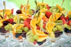 Assortiment coloré des cocktails de fruit frais Photos libres de droits