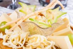 Assortiment de divers types de fromage Image stock