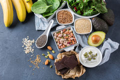 Assortiment de haute nourriture saine de sources de magnésium Photo libre de droits