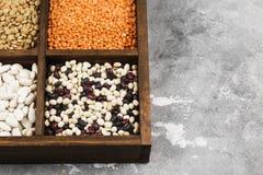 Assortiment de lentille rouge de haricots, lentille verte, pois chiche, pois, r Photos libres de droits