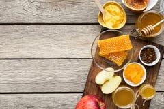 Assortiment de miel avec des fruits, concept naturel de médecine images libres de droits