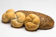 Assortiment de pain petits pains et pain complet image stock