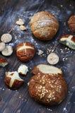 Assortiment de produit de boulangerie dans un style rustique Image stock