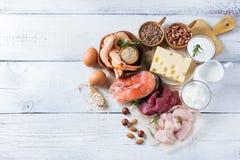Assortiment de source saine de protéine et de nourriture de musculation Image libre de droits
