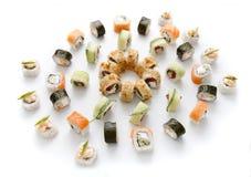 Assortiment de sushi d'isolement sur le fond blanc Photographie stock libre de droits