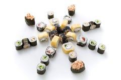 Assortiment de sushi d'isolement sur le fond blanc Image stock