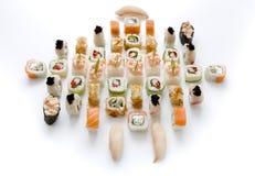 Assortiment de sushi d'isolement sur le fond blanc Photo stock