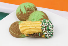 Assortiment des biscuits accentués verts Photographie stock