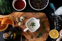 Assortiment des ingrédients pour faire des sauces photo libre de droits
