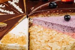 Assortiment des morceaux de gâteau Photos libres de droits