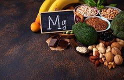 Assortiment die van voedsel magnesium bevatten Stock Afbeeldingen