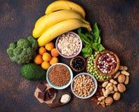 Assortiment die van voedsel magnesium bevatten Royalty-vrije Stock Foto's