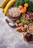 Assortiment die van voedsel magnesium bevatten Stock Afbeelding