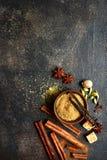 Assortiment van de winterkruiden Hoogste mening met exemplaarruimte stock fotografie