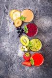 Assortiment van diverse gezonde smoothies Royalty-vrije Stock Afbeelding
