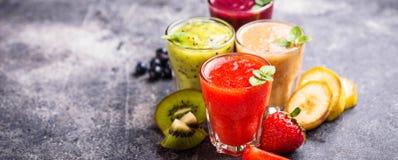 Assortiment van diverse gezonde smoothies Royalty-vrije Stock Foto