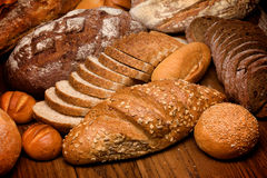 Assortiment van gebakken brood Stock Foto's