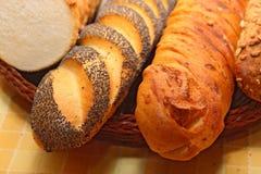 Assortiment van gebakken brood Stock Afbeeldingen