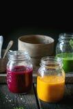 Assortiment van plantaardige smoothies Royalty-vrije Stock Foto's