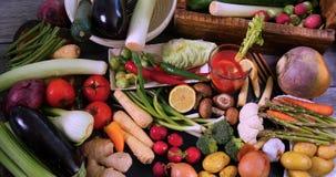 Assortiment van verse, gezonde, organische groenten stock foto's