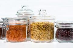 Assortimento dei diversi cereali e dei legumi, orizzontale Fotografia Stock