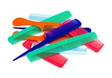 Assortimento dei pettini variopinti dei capelli Fotografie Stock