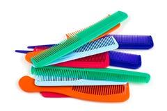 Assortimento dei pettini variopinti dei capelli Fotografie Stock Libere da Diritti