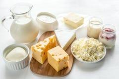 Assortimento dei prodotti lattier-caseario Fotografie Stock Libere da Diritti