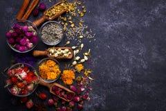 Assortimento del tè asciutto del fiore Fotografia Stock
