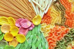 Assortimento della fine variopinta della pasta su, Fotografia Stock