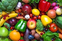 Assortimento della frutta fresca, delle verdure e delle bacche Fotografia Stock
