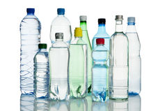 Assortimento delle bottiglie di acqua minerali Fotografie Stock