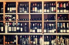 Assortimento delle bottiglie di vino Fotografie Stock