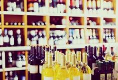 Assortimento delle bottiglie di vino Fotografia Stock Libera da Diritti