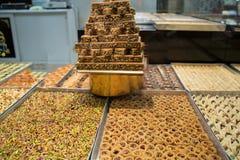 Assortimento delle delizie turche Baklava con il pistacchio fotografia stock