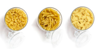 Assortimento delle tagliatelle e della pasta per cucinare Serie di prodotti una selezione dei cereali e degli ingredienti nei dep Fotografie Stock