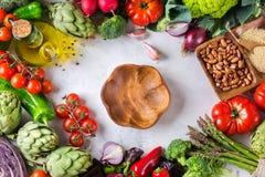 Assortimento delle verdure organiche fresche del mercato dell'agricoltore Immagine Stock