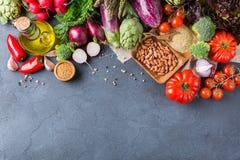 Assortimento delle verdure organiche fresche dell'agricoltore Fotografie Stock Libere da Diritti