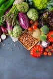 Assortimento delle verdure organiche fresche dell'agricoltore Immagine Stock