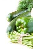 Assortimento delle verdure verdi fresche per salute per il vostro testo immagine stock libera da diritti
